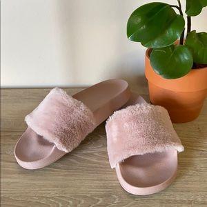 Steve Madden Sateena Faux Fur Pink Slides